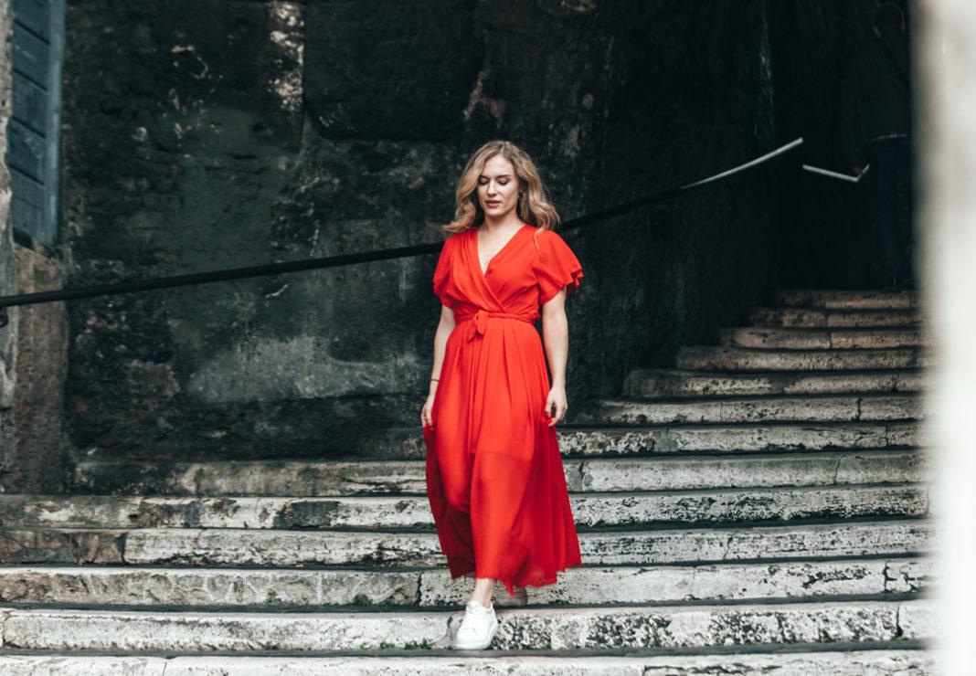 comment porter la robe rouge avec style