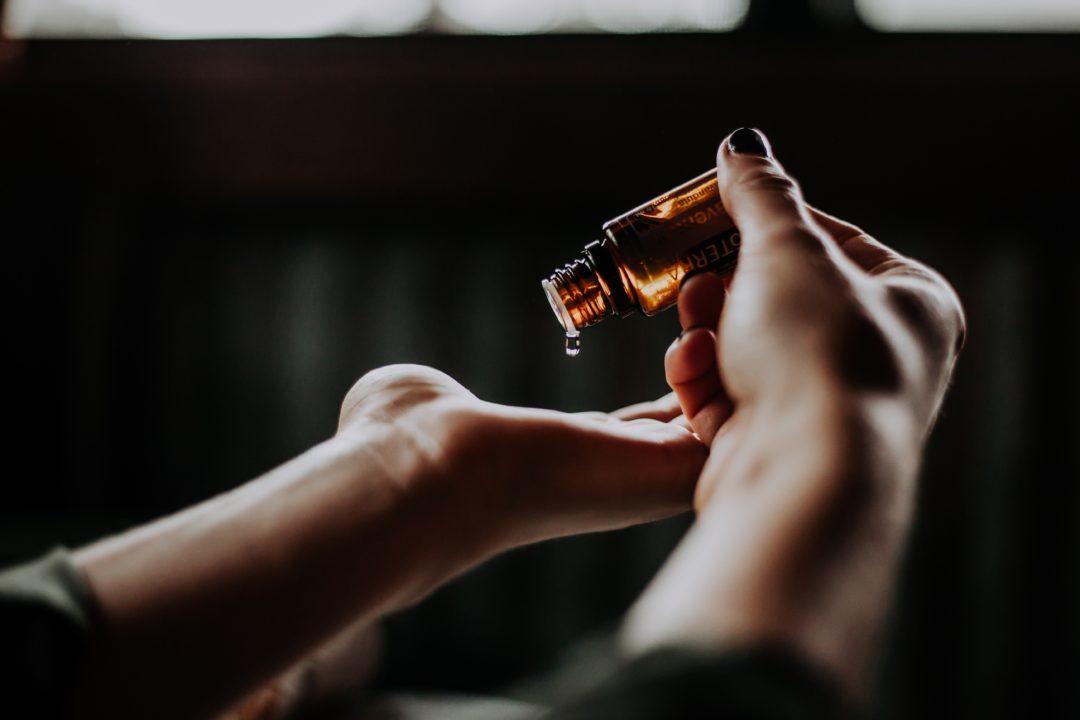 huile de coco ses bienfaits pour la beaute cheveux visage et corps (3)