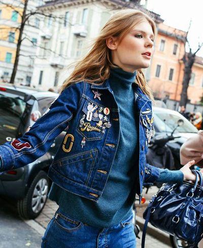 Comment customiser une veste en jean : tutos et astuces