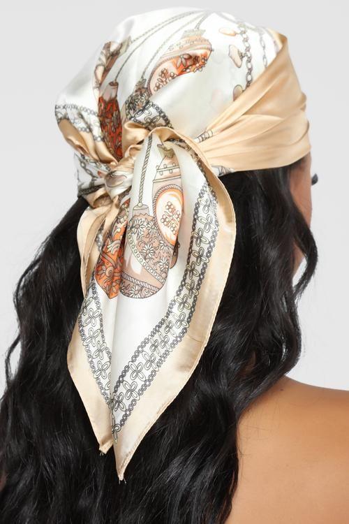 comment nouer un foulard cheveux