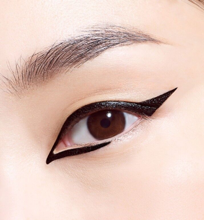 L'eye liner feutre Diorshow on stage liner de Dior
