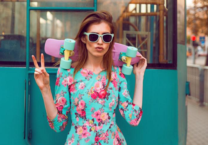 Conseils et idées looks pour être tendance en robe fleurie