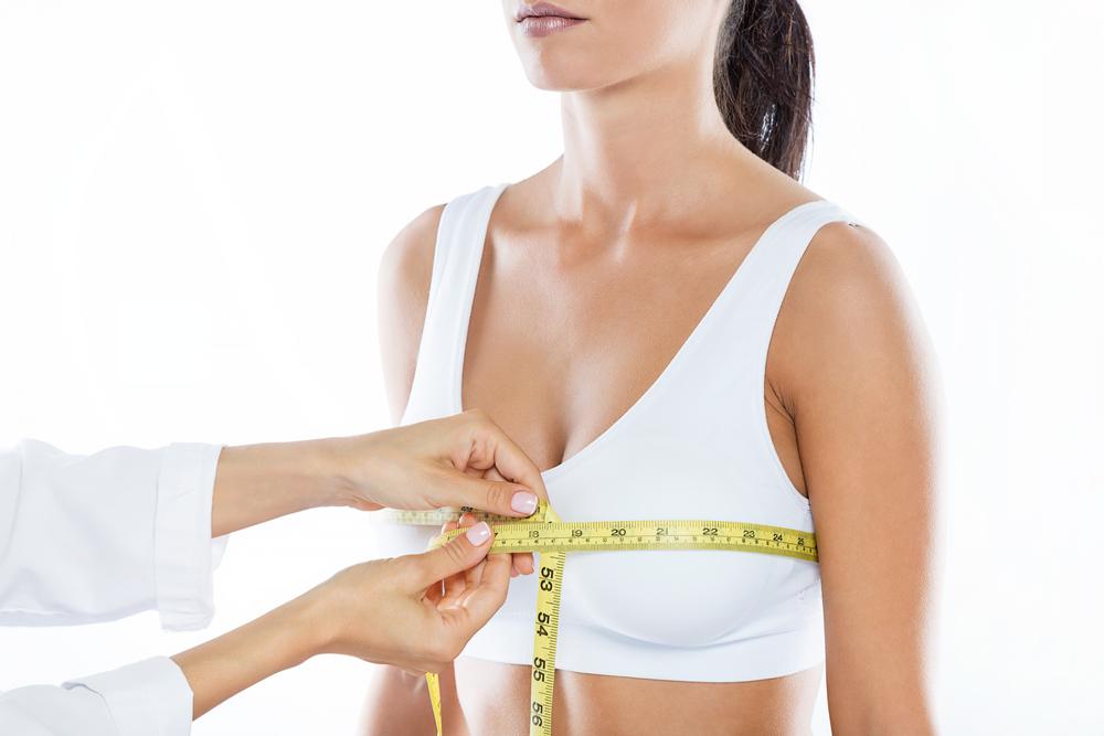 5 conseils pour bien s'habiller avec une grosse poitrine