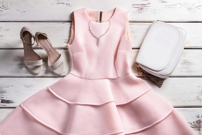 10 idées de robes chics à porter pour un mariage