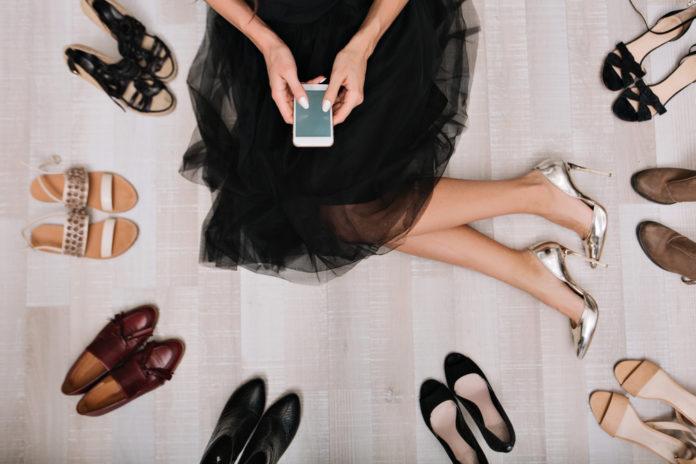 Comment bien porter la jupe longue noire