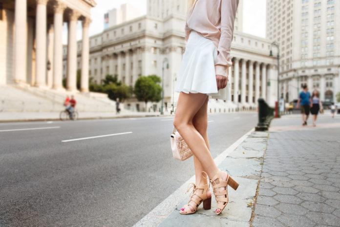 La jupe blanche conseils et idées looks pour être stylée avec