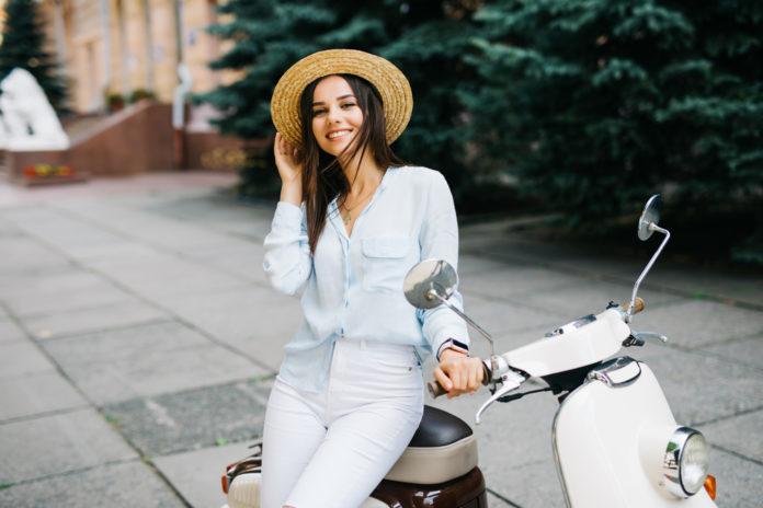 Le jeans blanc conseils et looks pour bien le porter