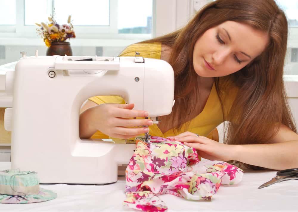 débuter en couture avec une machine à coudre