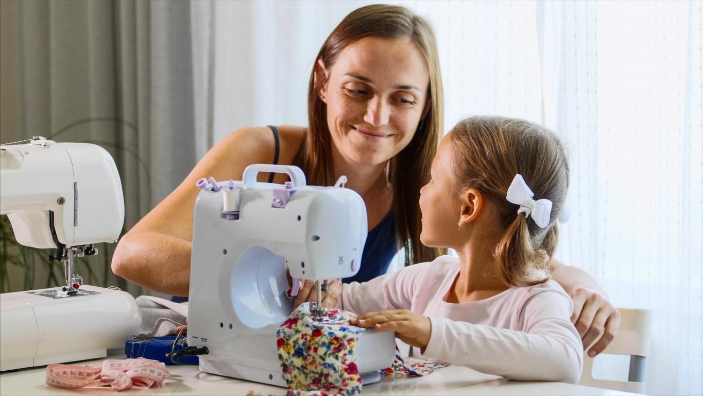 apprendre la couture à un enfant